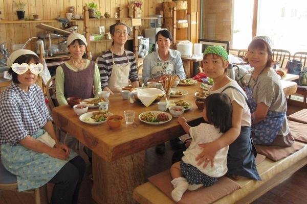 出張で酵素玄米:自然食品 有樹村のナチュラル空間にて