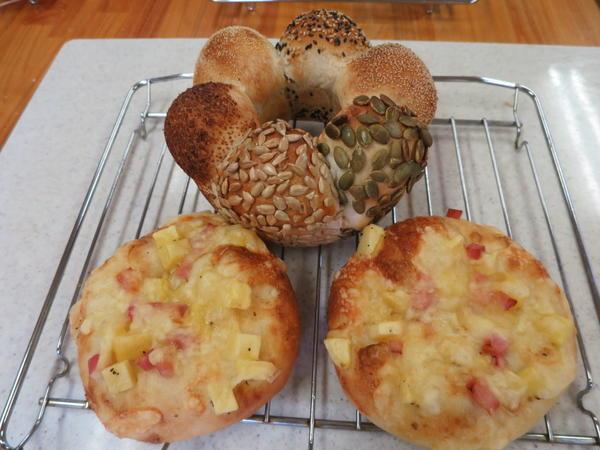 リング型木の実パン ポテトピザ
