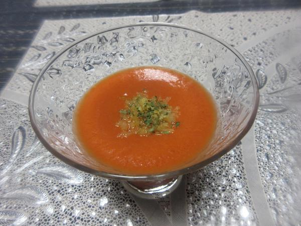 8月の冷たい野菜スープです。きりりと