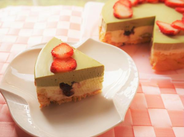 和三盆糖の抹茶ムースケーキ