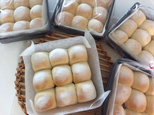 初級の白パンをちぎりパンにアレンジ
