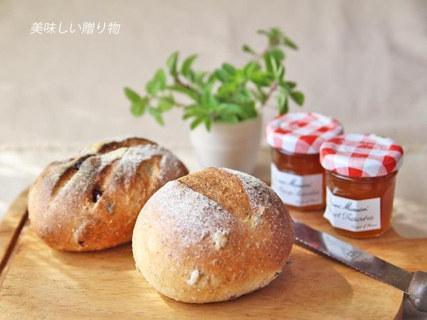 ライ麦パンのレッスンもしています。