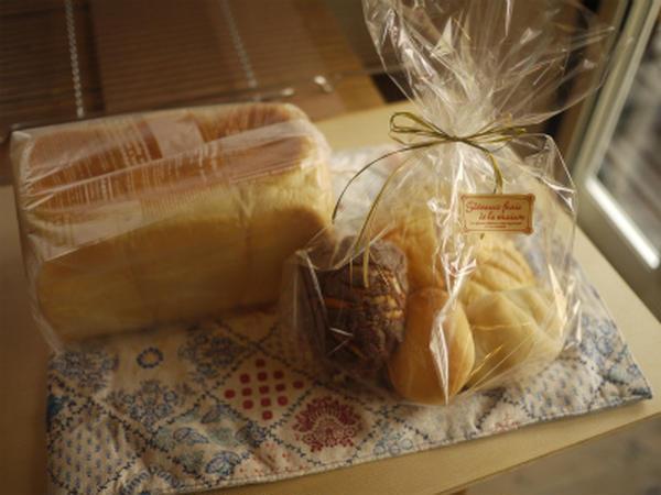 焼きたてのパンはプレゼントにもぴったり