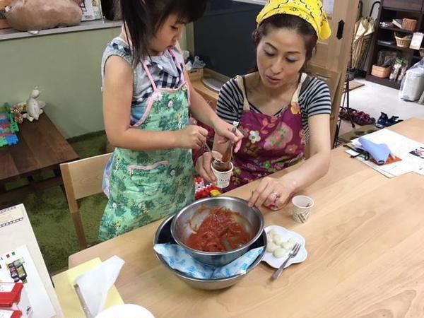 アルチェネロ有機トマトピューレー使用親子料理教室