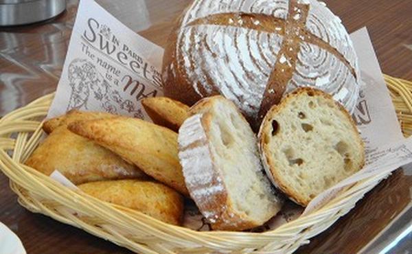 天然酵母パン中級コース:自家製レーズン種のカンパーニュ
