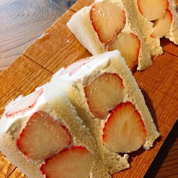 甘糀酵母4回目季節のフルーツサンド
