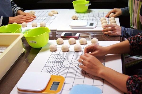初心者の方でも楽しく手ごねパンが作れます。