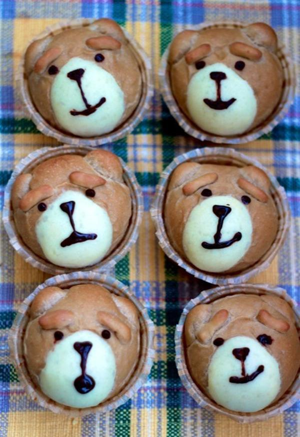 テッドをイメージしたミルクティークリームパンです♪