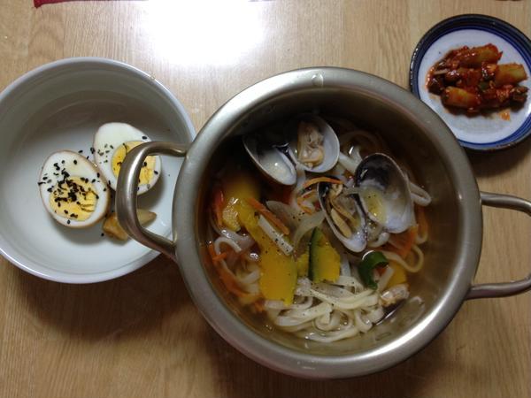 韓国本場生カルククスとウドのコチュジャン和えと、韓国式煮玉子