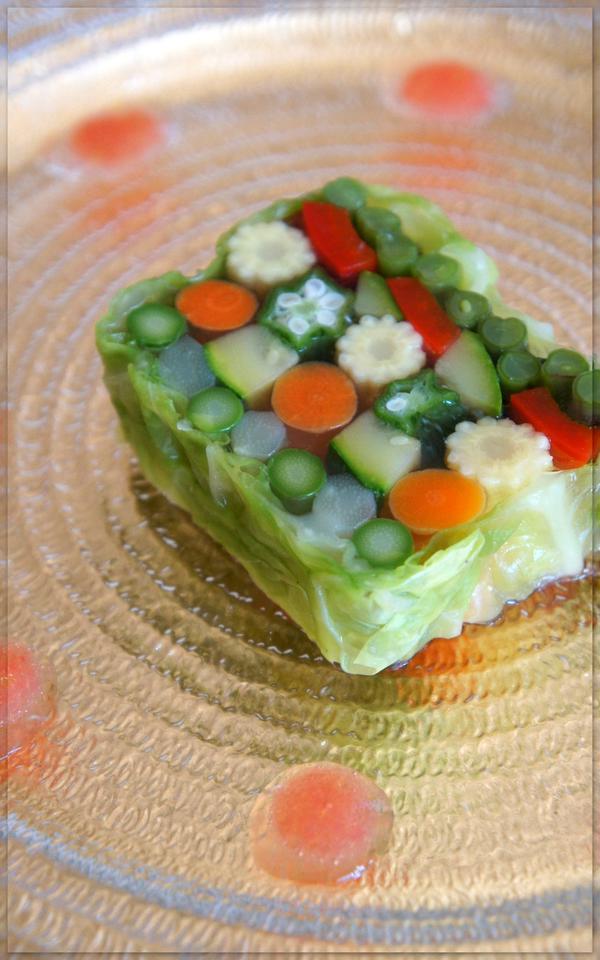 彩り野菜の      テリーヌ