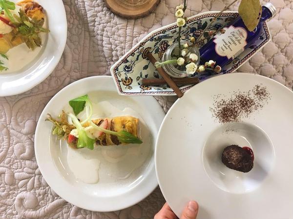 2月の お家レストランレッスンより。 お付き出しと前菜です。