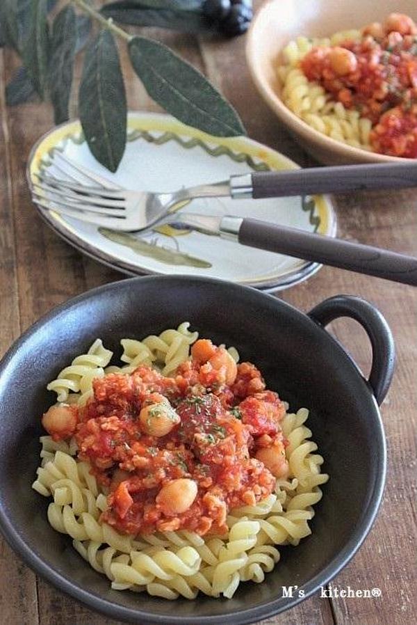 大豆ミートのトマトパスタ