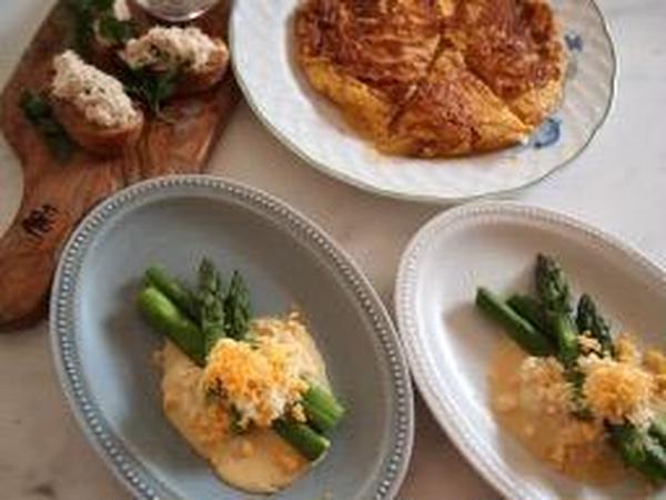 4−5月開催オンラインレッスンで作ったパンとお料理です。