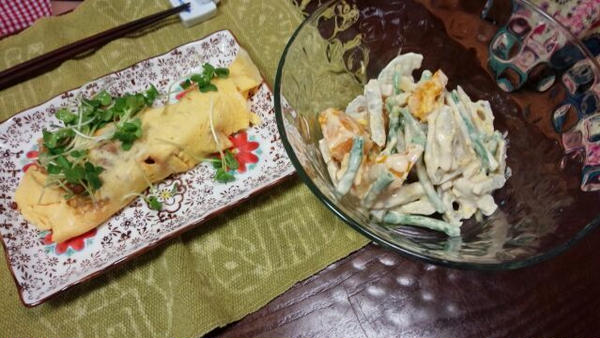 家庭料理コースのトンペイ焼きと根菜サラダ。