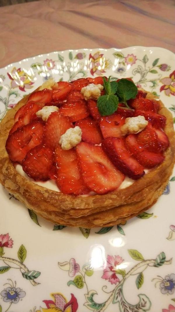 サックサクの「苺のパイタルト」もちろん美味しい!