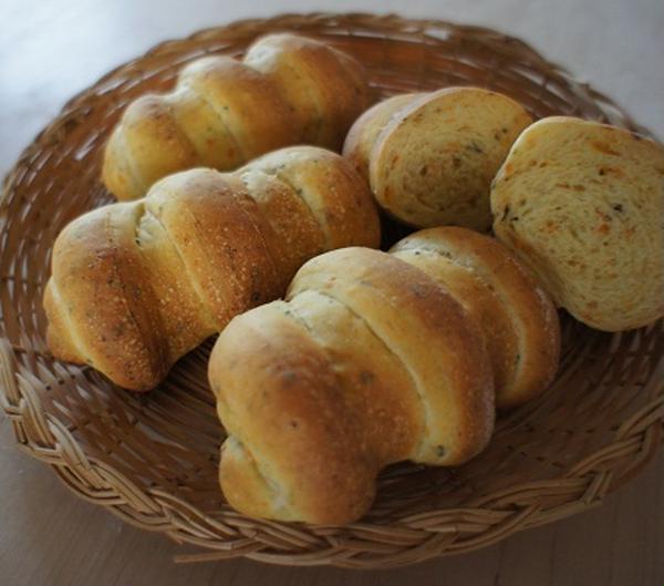 人参とバジルのパン