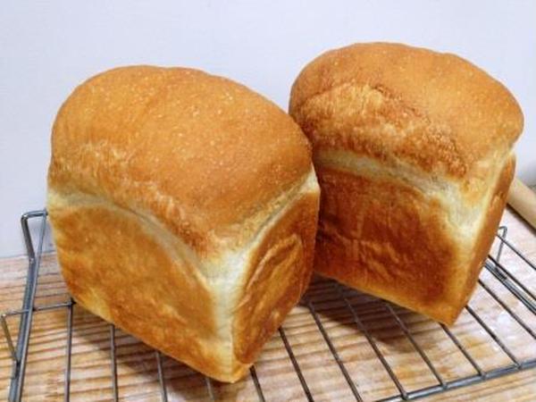 甘酒種の天然酵母パン教室では麹から無添加パンを作ります。