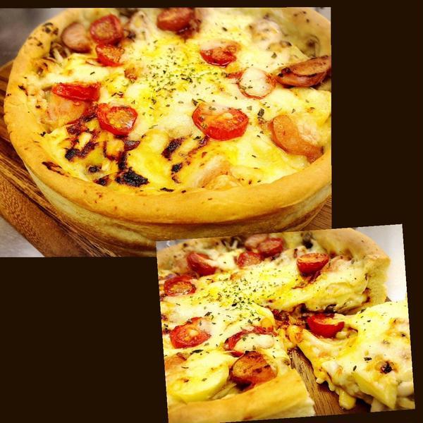 ケーキ型で焼く極厚ピザ シカゴピザ