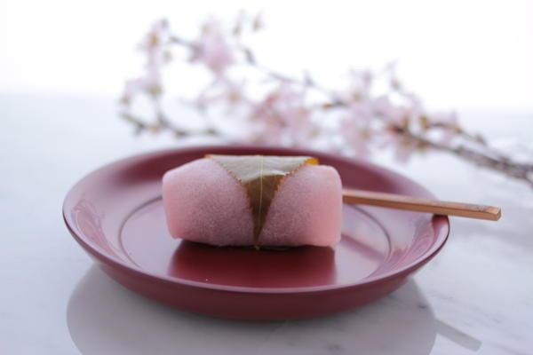 季節に合った、和菓子レッスンを行います。