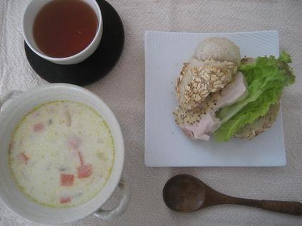 カイザーゼンメルサンド クラムチャウダースープ