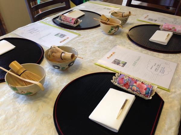 テーブルで気軽にお抹茶レッスン