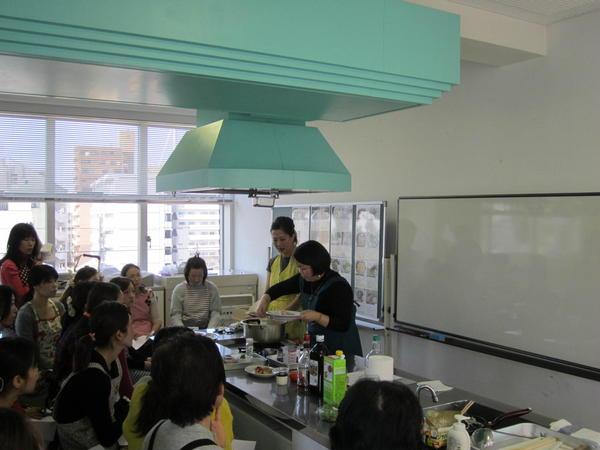 浜松での出張料理教室の様子。
