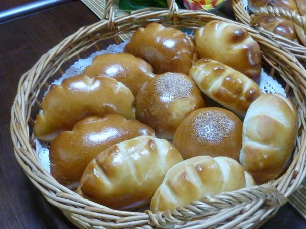 菓子パン(クリームパン。あんぱん)