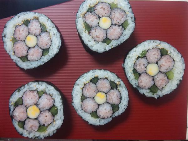大人気のお花 de 飾り巻き寿司