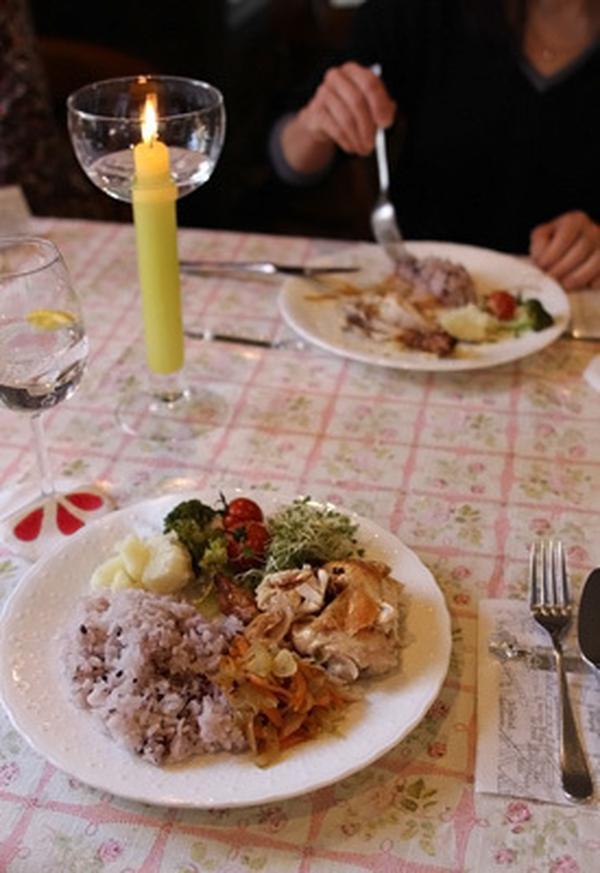 クリスマステーブルコーデはいつも温かい感じにまとめてます。