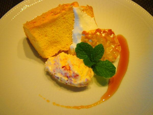 シフォンケーキ&イチゴのジェラート