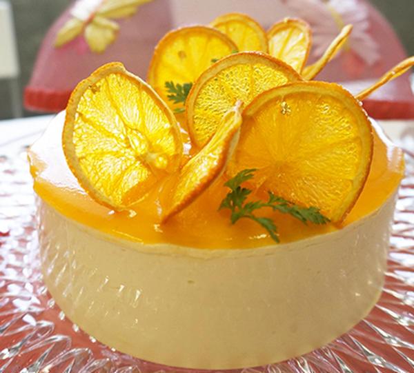 5月メニュー オレンジのケーキ