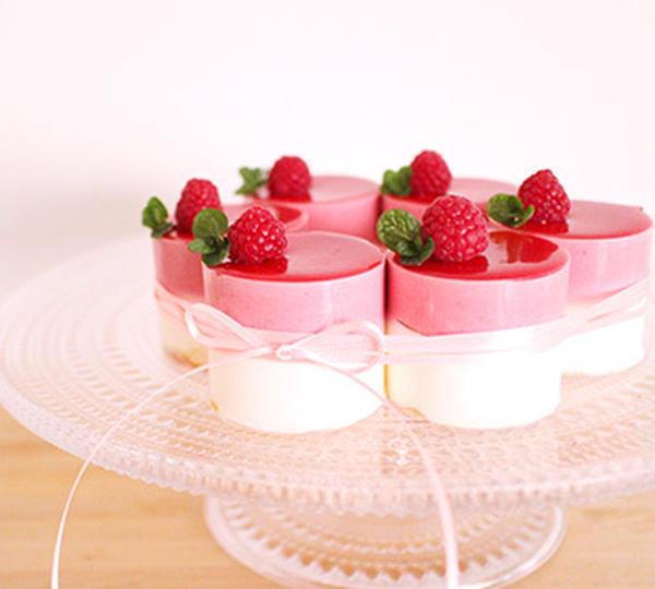 6月メニュー フランボワーズのケーキ