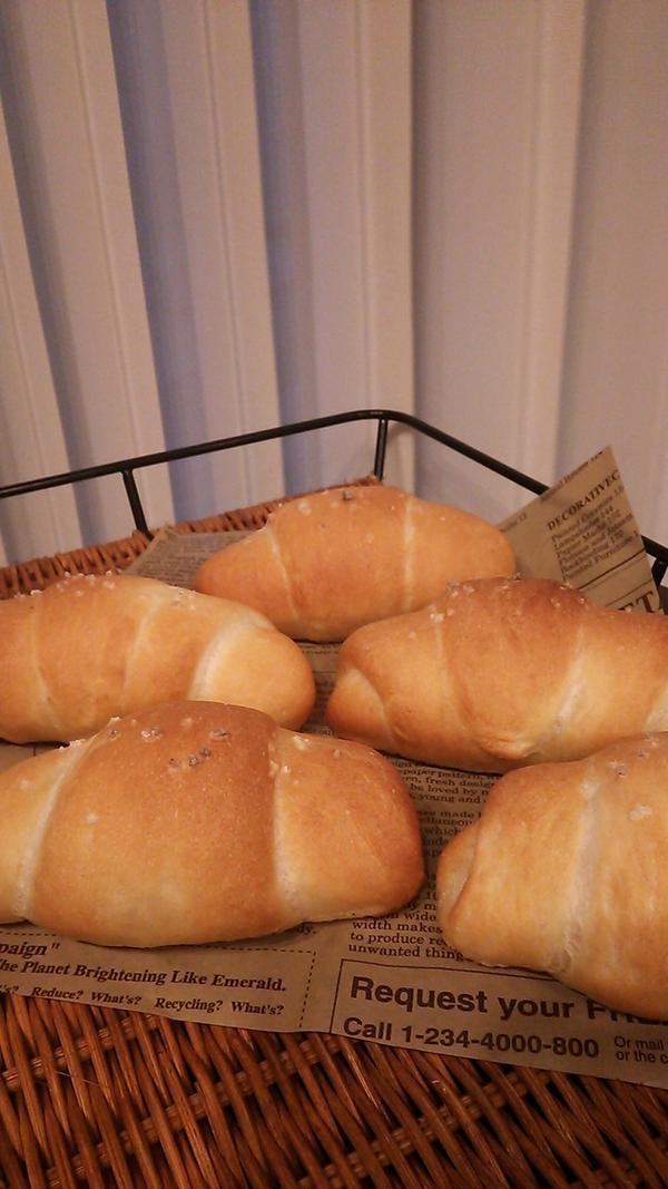 大流行の塩バターパンが簡単にお家で作れますよ