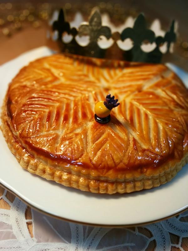 ガレットデロア。フランスの1月のキリスト公現祭のお菓子です♪