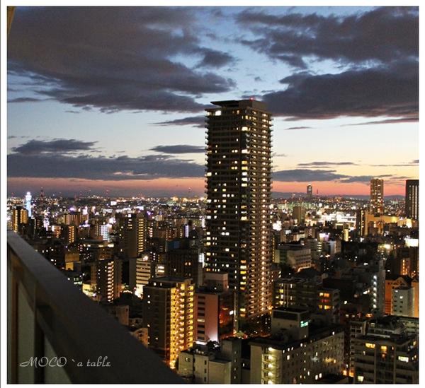 ナイトレッスンでは大阪の夜景がパノラマでご覧になれますよ♪