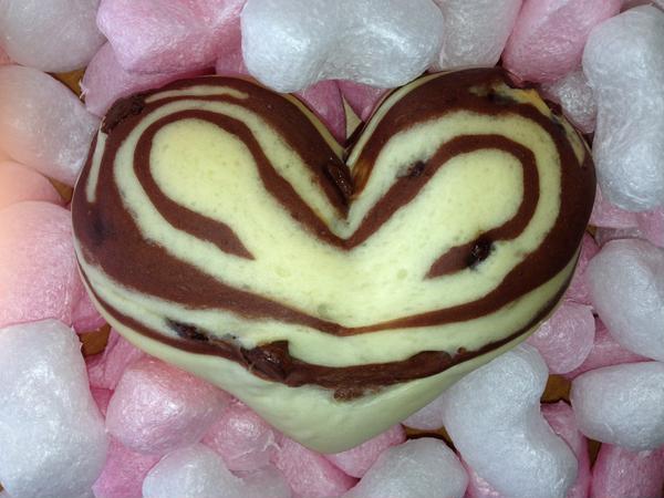 ハートのチョコチップパン(バレンタイン期間限定)