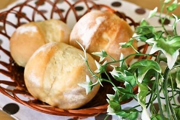 メニュー例:塩バターパン