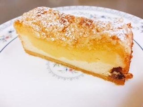 チーズケーキです。4層の幸せのケーキ