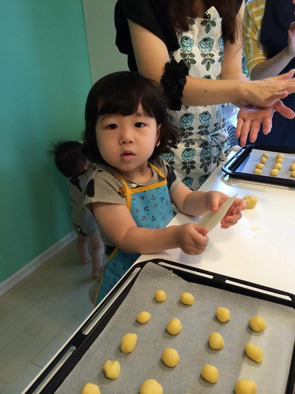 2歳児レッスン スノーボールクッキー