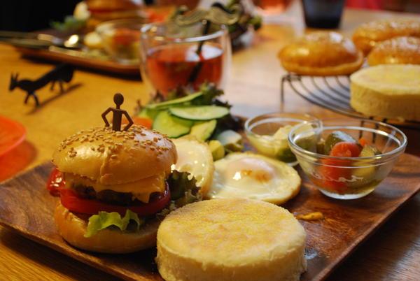②ハンバーガーとイングリッシュマフィン