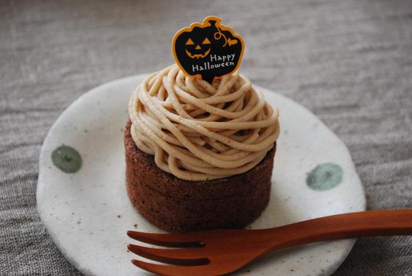 秋はいも栗カボチャという事でデザートはミニモンブランロール