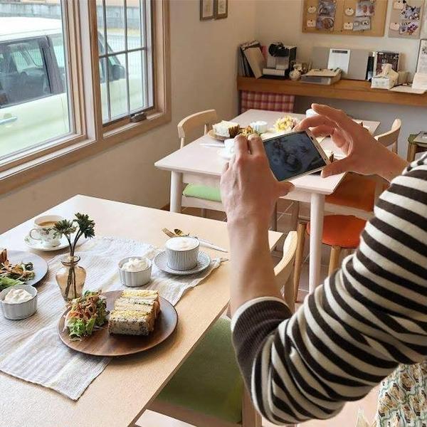 みなさま作品を撮影されることが多いです/パンレッスン試食風景