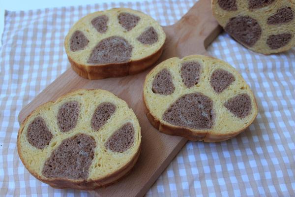 デコ食パン にくきゅうパン