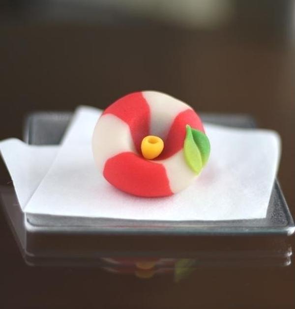 山茶花(練り切り製)