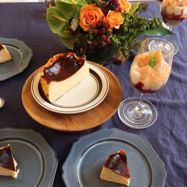人気のバスク風チーズケーキ!