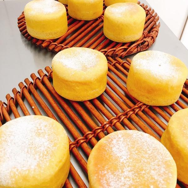 レーズン酵母で厚切りかぼちゃマフィン