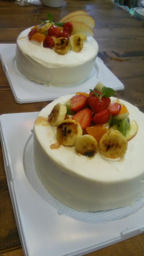 ふわふわフルーツケーキ、こんな素敵に出来上がりました✨
