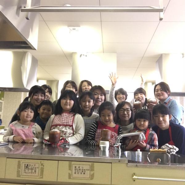土曜日出張パン教室  女性センター調理室にて