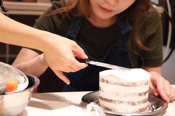ネイキッドケーキ~難しそうなナッペもしっかりとお教えします~