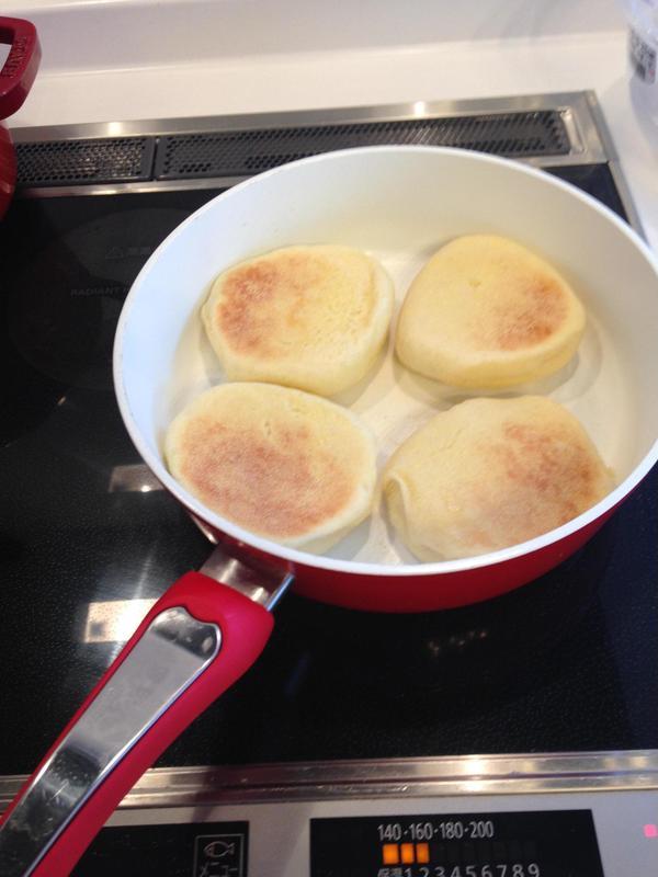 フライパンで焼けちゃうパンのクラスもありますよ!